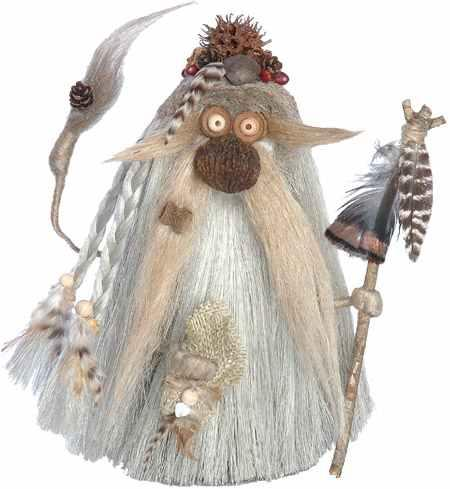 Spirit Troll - Uncommon attire, carries cloth pouch full of ancient cures for healing the body and the spirit.
