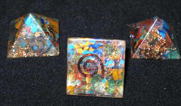 Resin Orgone Mini Pyramid with gemstones and copper